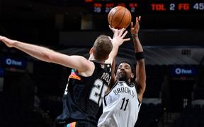 """Kyrie Irving trở lại, Brooklyn Nets vẫn """"xém chết"""" trước San Antonio Spurs"""