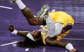 Montrezl Harrell dính lỗi kỹ thuật hài hước, Los Angeles Lakers nhận thất bại đáng tiếc trong ngày thiếu vắng LeBron James