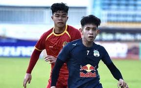 Văn Toàn tỏa sáng, HAGL trút 5 bàn thắng vào lưới đối phương