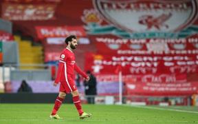Người đại diện của Salah khiến fan Liverpool lo sốt vó chỉ bằng một dấu chấm