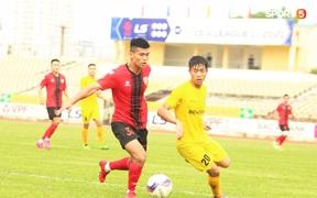 Phan Văn Đức thi đấu xông xáo, SLNA thua Hồng Lĩnh Hà Tĩnh