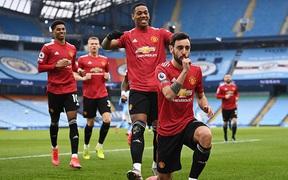 Man City siêu mạnh, nhưng MU là ngáo ộp ở Manchester