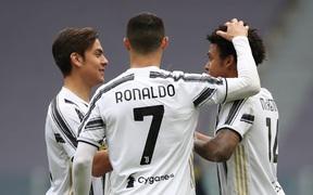 Thắng dễ Genoa, Juventus giữ chắc vị trí trong top 4