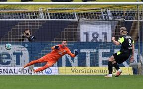 Haaland lập cú đúp, Dortmund dễ dàng làm gỏi Werder Bremen ngay trên sân nhà Signal Iduna Park