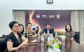 DFL trao đổi kiến thức với VFF, VPF và Next Media