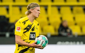 Dortmund thắp sáng hy vọng dự Champions League