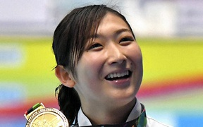 """Đánh bại ung thư máu, """"nàng tiên cá"""" 20 tuổi xinh đẹp người Nhật Bản giành vé dự Olympic Tokyo"""
