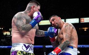 Hậu giảm cân, nhà cựu vô địch boxing thế giới Andy Ruiz Jr chật vật vượt qua lão tướng Chris Arreola