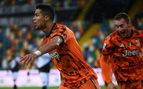 Ronaldo lập cú đúp trong 7 phút, Juventus lội ngược dòng để trở lại top 4