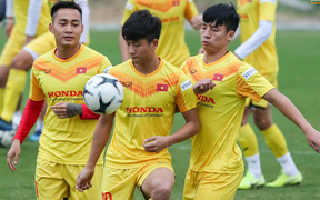 HLV Park Hang-seo mạo hiểm gọi Đoàn Văn Hậu lên tuyển chuẩn bị đá Vòng loại World Cup