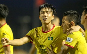 Cả đội SLNA trở thành F2, trận đấu với Hà Nội FC nguy cơ hoãn