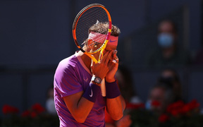 Nadal bị loại sớm ở Madrid Open