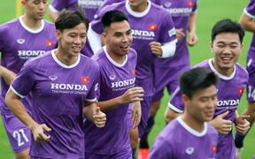 Tuyển Việt Nam diện màu áo lạ, gợi nhớ Hà Nội FC