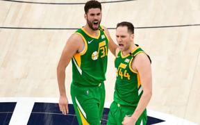 Bojan Bogdanovic bùng nổ với 48 điểm giúp Utah Jazz giữ vững ngôi đầu tại NBA