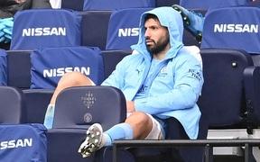 Aguero xin lỗi vì quả penalty thảm họa