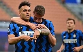 Inter Milan ăn mừng chức vô địch bằng màn vùi dập Sampdoria