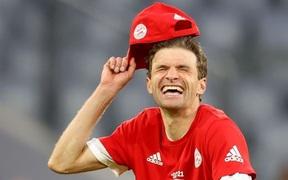"""Bayern """"hủy diệt"""" đối thủ khó chơi 6-0 mừng chức vô địch Bundesliga"""