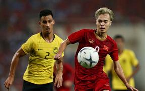 """Vừa thua trắng UAE 4 bàn, ĐT Malaysia vẫn được tin tưởng """"trên trình"""" tuyển Việt Nam"""