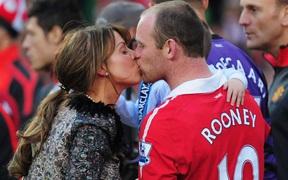 Lộ tin nhắn Wayne Rooney bị tống tiền trắng trợn, lôi cả vợ con ra để vòi vĩnh 10.000 bảng