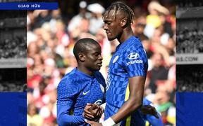 """Arsenal 1-2 Chelsea: The Blues phung phí cơ hội, sao """"Pháo thủ"""" mắc sai lầm ngớ ngẩn"""