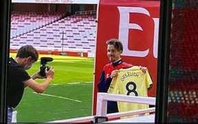 Fan Arsenal thể hiện đẳng cấp photoshop với thương vụ Grealish