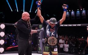 AJ McKee hạ thuyết phục Patricio Freire, giành về đai vô địch Bellator cùng phần thưởng trị giá 1 triệu USD