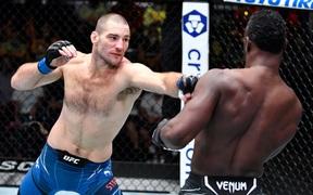 Sean Strickland giành chiến thắng thuyết phục trong lần đầu đánh trận chính tại UFC, cầm chắc vị trí ở Top 10