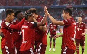 Bayern nhọc nhằn giành thắng lợi đầu tiên tại Bundesliga 2021/22