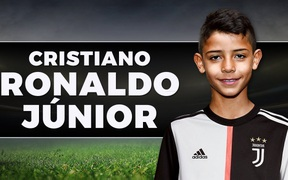 Nối gót cha, con trai Ronaldo gia nhập Manchester United