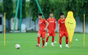 Đội tuyển U22 Việt Nam quay lại tập luyện với nhiều biến động nhân sự