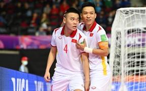 Tuyển futsal Việt Nam hạ gục Panama bằng màn trình diễn quả cảm, mở ra cơ hội vào vòng knock-out World Cup.
