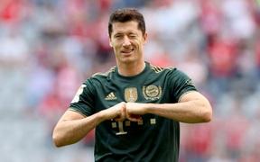 Bayern nghiền nát Bochum 7 bàn không gỡ