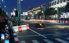 Khán giả Việt sắp được chứng kiến xe đua công thức 1 gầm rú tại Hà Nội