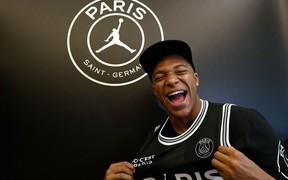 Ở tuổi 19, Mbappe tiếp tục xô đổ kỷ lục khó tin trong lịch sử bóng đá Pháp