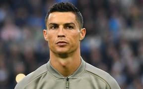 Chưa tránh được vỏ dưa đã gặp vỏ dừa, Ronaldo lại bị cáo buộc hiếp dâm một phụ nữ khác
