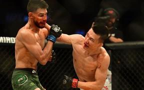 Võ sĩ Hàn Quốc thua đau ở giây cuối trong màn so tài hay bậc nhất lịch sử UFC