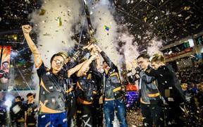 Team Flash lên ngôi vô địch ĐTDV với 600 triệu tiền thưởng, lọt vào bảng đấu dễ thở tại vòng loại AIC 2018