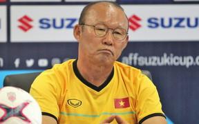 HLV Park Hang-seo bực tức với học trò dù Việt Nam thắng đậm trong trận ra quân tại AFF Cup 2018
