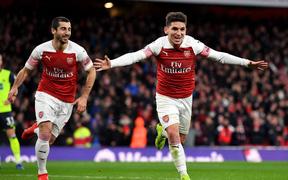 Arsenal 1-0 Huddersfield: Pháo thủ thắng nhọc trong ngày xuất hiện mưa thẻ tại sân Emirates