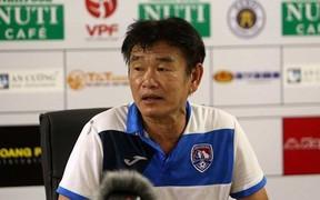 HLV Quảng Ninh khen Hà Nội hay từ hàng dự bị đến đội hình chính