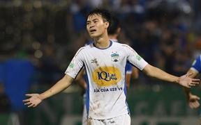 Hai cầu thủ Olympic Việt Nam bị treo giò ở vòng 22 V.League 2018
