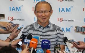 """Ông Park Hang-seo trả lời báo Hàn Quốc: """"Mức lương không phải điều to tát. Tôi muốn gắn bó lâu dài với Việt Nam"""""""