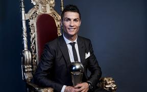 Ronaldo rớt khỏi top 10 cầu thủ giá trị nhất thế giới