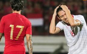 """Tuyển thủ Việt Nam xin đá 11m mừng con gái sắp chào đời và cái kết """"đắng"""""""