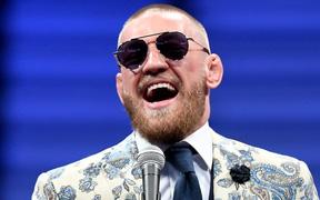 """Em họ của Khabib thua đau trong ngày ra mắt UFC, """"Gã điên"""" McGregor lập tức cơ hội"""