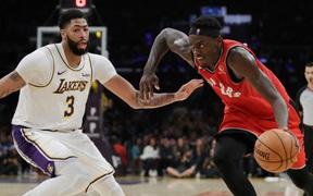 NBA 19-20: Chứng tỏ bản lĩnh ĐKVĐ, Toronto Raptors chặn đứng chuỗi trận thắng của Los Angeles Lakers