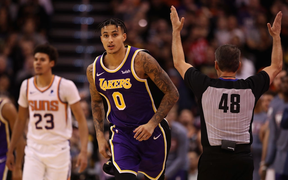 NBA 19-20: Bùng nổ ở những phút cuối trận, Los Angeles Lakers vượt qua Phoenix Suns trong trận đấu đầy kịch tính