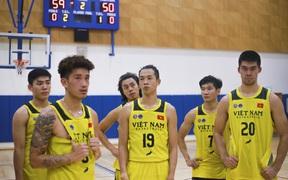 Đội tuyển bóng rổ Việt Nam thua đậm Thái Lan trong trận đấu giao hữu trước thềm SEA Games 30