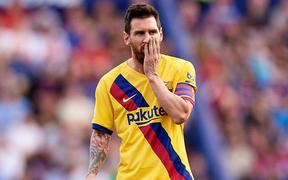Messi mở tỷ số từ chấm phạt đền, Barcelona vẫn bất ngờ sụp đổ trong 8 phút và đại bại trước đối thủ ít ai ngờ tới