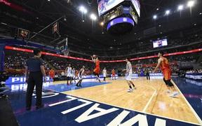 Choáng ngợp trước vẻ hào nhoáng của nhà thi đấu và sức ép từ 15.000 CĐV chủ nhà Philippines mà tuyển bóng rổ Việt Nam phải đối mặt
